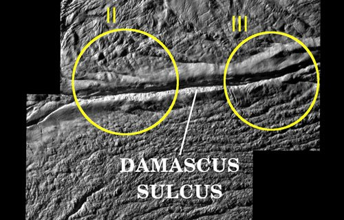 Энцелад:  Damascus Sulcus